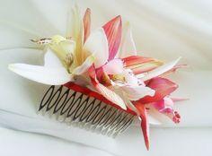 TROPICAL HAIR COMB  Hawaiian Orchids Bridal Flowers by MalamaPua #beachwedding #headpiece #weddinggown