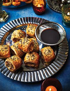Pop these Char siu pork sausage rolls on your next party menu Pork Recipes, Cooking Recipes, Cooking Tips, Marinated Pork Chops, Char Siu, Sausage Rolls, Party Food And Drinks, Appetisers, Street Food