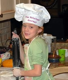 good ideas on how to get kids involved in the kitchen....just gotta get me ready to do it!