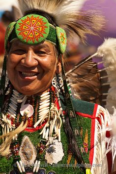 native american indians pictures | Traditional Dancers at Crow Fair powwow on Crow Indian Reservation in ...