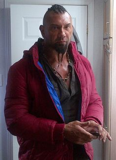 Batista had his nose pierced and hair braided in riddick! Dave Bautista, Movie Makeup, Wwe Champions, Stud Muffin, Bad To The Bone, Jeffrey Campbell, My Man, My Hero