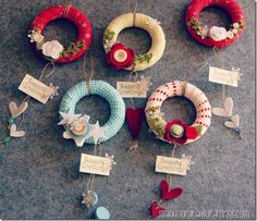 love these mini wreaths Clay Christmas Decorations, Christmas Crafts For Kids, Xmas Ornaments, Homemade Christmas, Holiday Crafts, Christmas Diy, Christmas Wreaths, Curtain Rings Crafts, Crochet Christmas Wreath
