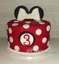 Made by All Sweetness Torta Minnie Mouse, Mickey And Minnie Cake, Minnie Mouse Birthday Cakes, Mickey Mouse Clubhouse Birthday Party, Red Minnie Mouse, Custom Birthday Cakes, 3rd Birthday Cakes, Mickey Mouse Parties, Mickey Mouse Birthday