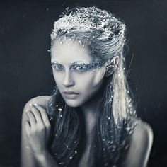 More of a beauty look but still snow themed. I really like the idea of doing something like this.