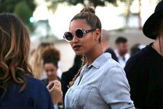 Beyonce attended Wes Lang Art Show in Quay Bellpop Clear Sunglasses Celebrity Gist, Celebrity Couples, Celebrity Gossip, Celebrity Pictures, Celebrity News, Celebrity Style, Beyonce Fans, Beyonce Style, Beyonce And Jay Z