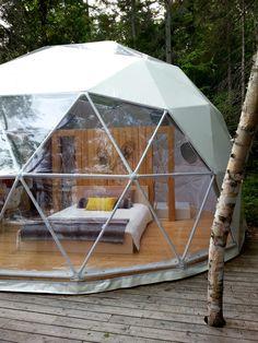 dôme situé au Parc Aventure Cap Jaseux dans la région du Saguenay / QUÉBEC / CANADA