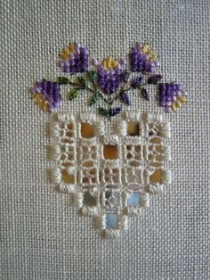 Drawn thread with cross stitch and instructions. Vainicas con punto de cruz e instrucciones.: