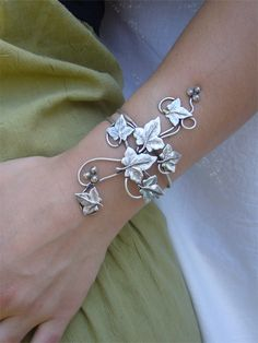 leaves bracelet  #jewelry #leaves #silver #green #bracelet