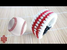 How to Make a Baseball Themed Trilobite Paracord Bracelet Tutorial - YouTube