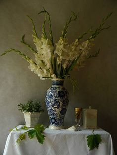 Author: Claudia stanetti Title: Still Life with white gladiolas