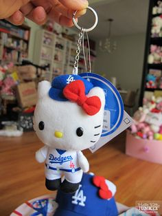 #Sanrio #HelloKitty x LA #Dodgers Stadium Exclusives #MLB #baseball