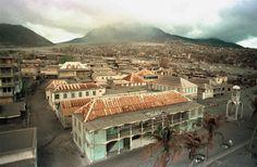 http://www.publico.es/viajes/ciudades-que-fueron-abandonadas-y-se-convirtieron-en-lugares-fantasma/