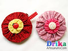 Resultado de imagem para molde de flor de tecido para broche colocar em roupas passo a passo