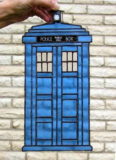 Stained Glass Tardis - * def one to keep in mind for my dad !