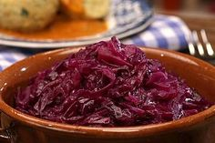 Red cabbage (red cabbage, red cabbage) by Vegetarian Recepies, Veggie Recipes, Beef Recipes, Soup Recipes, Cooking Recipes, Cabbage Salad, Red Cabbage, Paleo Meal Plan, Thanksgiving Drinks