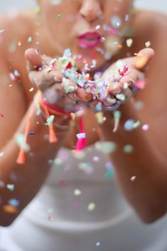 NEON WEDDING INSPIRATION + Confetti Photography (Lisa Diederich Photography)