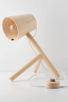 desk lamp with personality  #White and #Wood  Leuchtend Grau - Interiorblog celebrating soft #minimalism (www.leuchtend-grau.de)