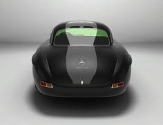 Gullwing-America modernizes the Mercedes 300SL