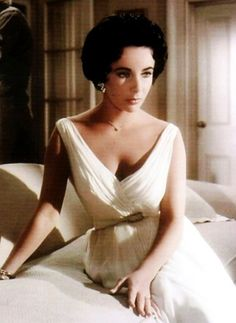100 beautiful pictures of Elizabeth Taylor(all these pictures were taken before photoshop!)