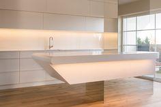 Corian Kücheninsel von Hasenkopf Corian, Bathtub, Bathroom, Kai, Home, Kitchens, Image, Open Plan Kitchen, Standing Bath