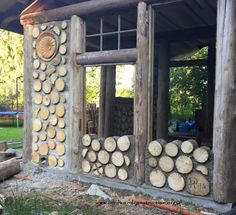 Kubbusbsta 8 Pelle Henriksson FB page Kubbhusbasta Natural Building, Green Building, Building A House, Cabins In The Woods, House In The Woods, Cordwood Homes, Earthship Home, Garden Design, House Design