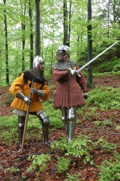 In dickem Arming Doublet und Aketon Medieval Life, Medieval Knight, Medieval Armor, Medieval Fantasy, Medieval Dress, Larp, Landsknecht, Late Middle Ages, Knight Armor
