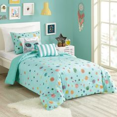 It's raining pom-poms! You'll simply love the playful look of this Urban Playground Raining Pom Pom comforter set. In blue. Kids Comforter Sets, Kids Comforters, Queen Comforter Sets, Cabana, How To Clean Pillows, Blue Bedding, Turquoise Comforter, Turquoise Teen Bedroom, Blue Pillows
