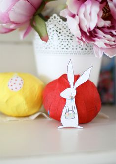 Easter surprise balls (would be fun for any occasion, really) (Sarah Jane Studios)