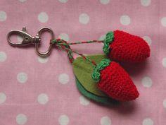 crochet straberries - visit TANA PER TUTTI on facebook