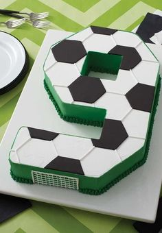 Celebrate your team's big win with this Go for the Goal Soccer Cake. Made using the Countless Celebrations Cake pan Set, you can create a cake in any number (or letter) shape you'd like. Soccer Cupcakes, Soccer Ball Cake, Football Birthday Cake, 9th Birthday Cake, Soccer Birthday Parties, Soccer Party, Boy Birthday, Football Cakes For Boys, Soccer Theme