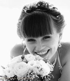 Весёлая невеста в Перми. Свадебный фотограф пермский Виталий Гребенников.