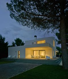 Colectivo Du Arquitectura Designs a Private Residence in Albacete, Spain | HomeDSGN