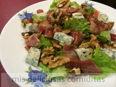 Ensalada de gorgonzola, nuces y bacon