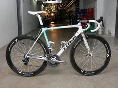Andy Schleck (LEOPARD TREK) is hoping this Trek Madone 6.9 SSL will carry him to victory this July.