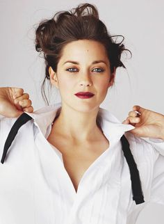 hints-of-sarcasm:  Marion Cotillard