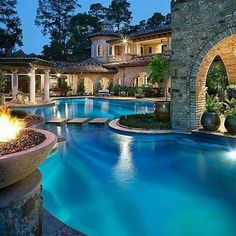 Mansions homes Dream house mansions Rich people lifestyle Mansions luxury Modern mansions House goals Dream Home Design, My Dream Home, Dream Mansion, Mansion Houses, Luxury Homes Dream Houses, Luxury Pools, Luxury Swimming Pools, Beautiful Pools, Simply Beautiful
