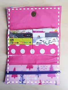 Super Simple Handmade Wallet Tutorial WITH Free Sewing Pattern - Sew Some Stuff