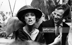 Lauren Hutton At Gallery Opening Pictures   Getty Images