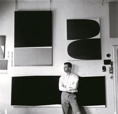 Ellsworth Kelly, Broad Street studio, New York, Photo credit: © Onni Saari. From Ellsworth Kelly Ellsworth Kelly, Hard Edge Painting, Action Painting, Piet Mondrian, New York Studio, Picasso Paintings, Colour Field, Art Moderne, Artist At Work