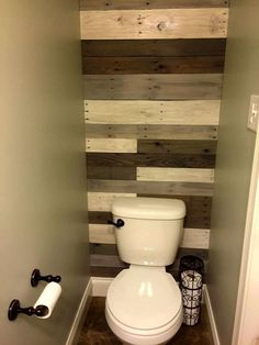 Pallet Bathroom Wall - 70+ Pallet Ideas for Home Decor | Pallet Furniture DIY…