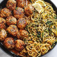 Garlic butter meatballs with lemon zucchini noodles .- Knoblauchbutter-Fleischbällchen mit Zitronen-Zucchini-Nudeln – Diese … – – Jule H. Garlic Butter Meatballs with Lemon Zucchini Noodles – These … – – # Garlic butter meatballs - Healthy Dinner Recipes, Diet Recipes, Healthy Snacks, Lunch Recipes, Fast Healthy Dinners, Cooker Recipes, Heart Healthy Meals, Meal Prep Recipes, Healthy Supper Ideas