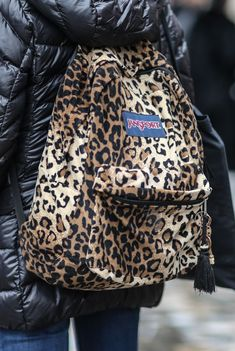 d3592b417593 It wouldn t be the early  90s without Jansport backpacks. The old-