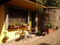 Suites Cuore Dei Castelli Romani Frascati Suites Cuore Dei Castelli Romani offers a modern-style studio with free WiFi, set along the main road between Frascati and Grottaferrata. The property is 20 km from Rome and free private parking is available.  There is a dining area and a...