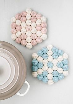 Bordskåner Crochet Hot Pads, Knit Crochet, Christmas Decorations, Christmas Ornaments, Yarn Crafts, Elsa, Crafty, Sewing, Knitting