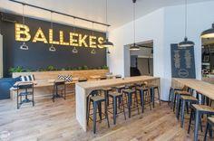 Ballekes, het is een gerecht dat menig Belg doet watertanden. Zo ook in het gelijknamige restaurant in onze hoofdstad. In tomatensaus, met Luikse stroop of Mort Subite?