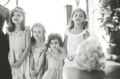 casamento na praia, destination wedding, beach wedding, Cumbuco, vintage decoration, vintage wedding, dama de honra, guirlanda de flores