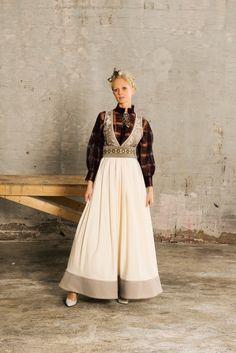 Eva Lie og hennes medarbeiderer skaper personlige plagg for privatkunder med fokus på det individuelle. Siden tidlig på nitti-tallet har Eva Lie vært sterkt opptatt av folkedrakter og bunader, og den skaperglede disse representerer. Den rike tradisjonsarven som finnes i disse plaggene har igjen gitt liv til vakre og kreative festdrakter og fantasidrakter. Alle Folk Costume, Costumes, Fantasy Gowns, Scandinavian Fashion, Folk Fashion, Drawing Clothes, Mori Girl, Pretty Outfits, Cool Style