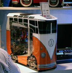 computers modds with pictures | PC Mods - The VW Camper Van Case Mod | Geeky Gadgets just a groovy case yall...