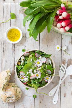 Wild garlic rolls and spring salad