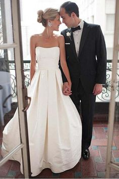 Wedding Dresses 2018 #WeddingDresses2018, Ivory Wedding Dresses #IvoryWeddingDresses